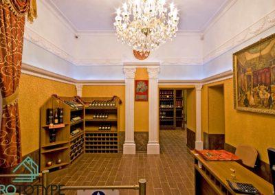 Фотография реализации дизайн проекта винного магазина