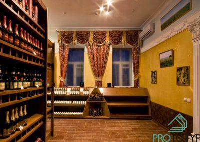 Фотография торгового зала алкогольного магазина